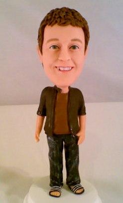 Nur für wirkliche Facebook Fanboys: Die Mark Zuckerberg Figur für auf den Kamin