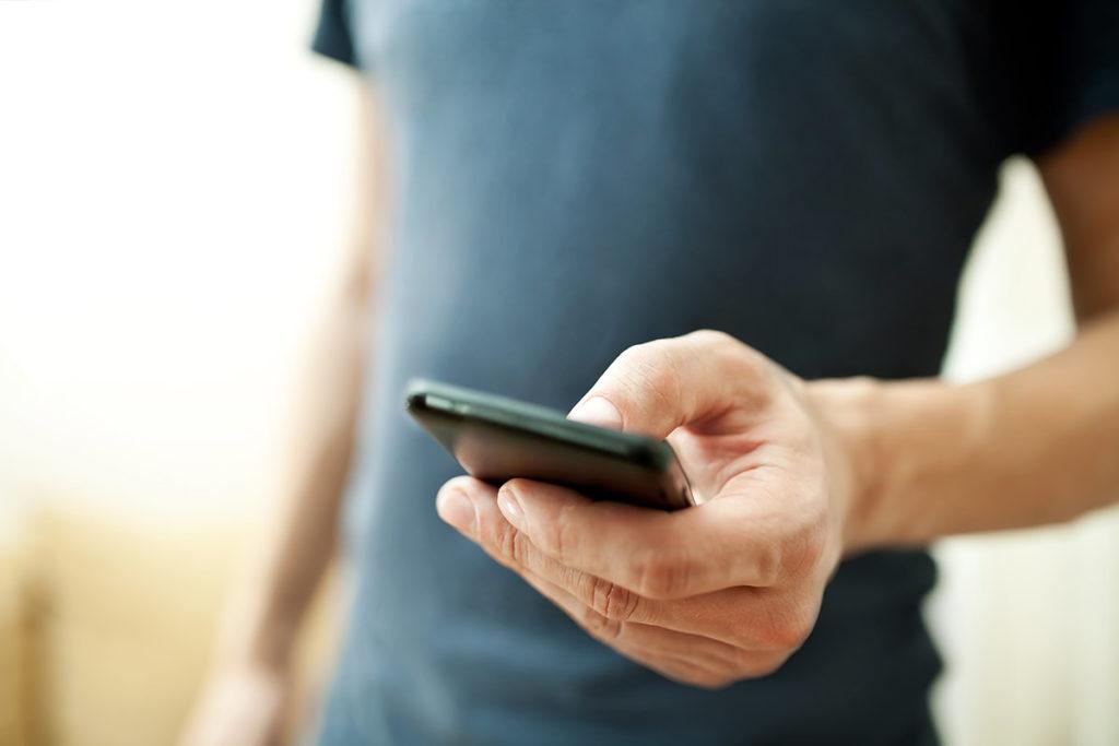 Neuer Test: Auf dem Smartphone die eigenen Facebook Posts und die der Freunde durchsuchen