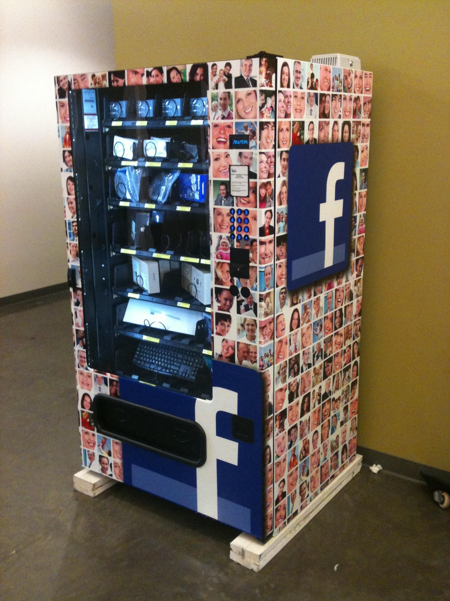 Facebook IT: Computerequipment aus dem Automaten