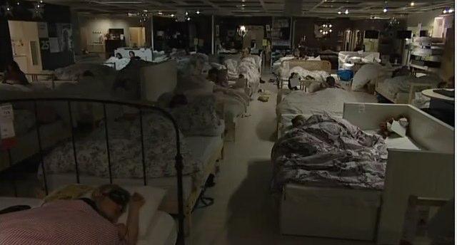 Eine Nacht im IKEA – nur für Facebook Fans