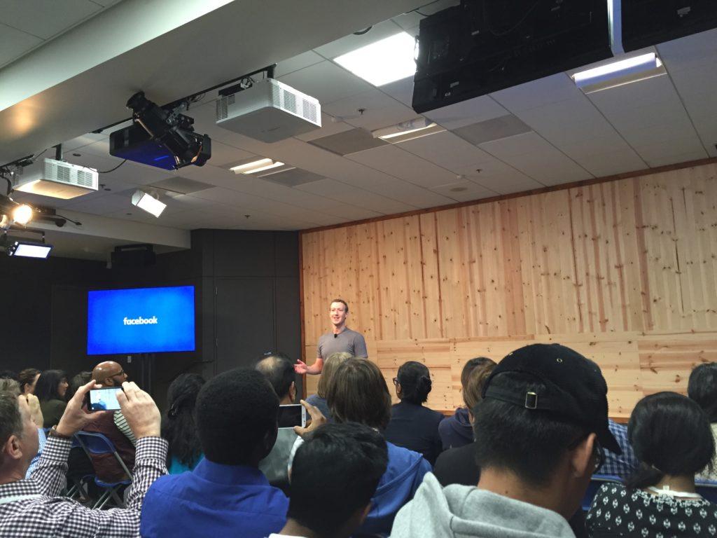 """Facebook Townhall Q&A: Die Sache mit dem Dislike Button, Zuckerbergs Lieblingsstickern und der """"Refugee Crisis"""""""